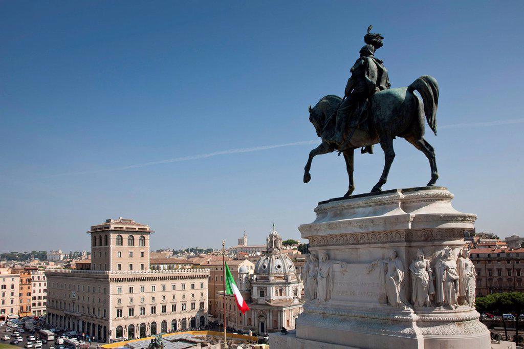 Stock Photo: 1848-708473 Equestrian statue of Vittorio Emanuele II, Il Vittoriano monument, Piazza Venezia, Rome, Italy, Europe