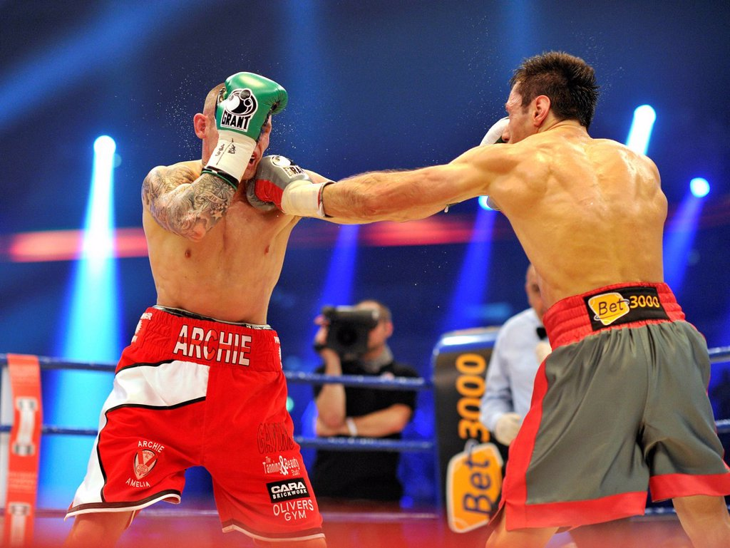 Stock Photo: 1848-710977 Felix Sturm, GER, vs. Martin Murray, GBR, SAP Arena, Mannheim, Baden_Wuerttemberg, Germany, Europe