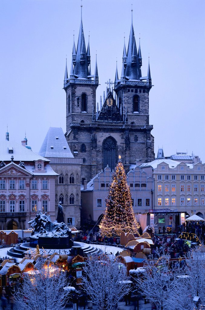 Stock Photo: 1848-711401 Týn Cathedral, Týnský chrám, Christmas market in the Old Town Square, dusk, Prague, Czech Republic, Europe