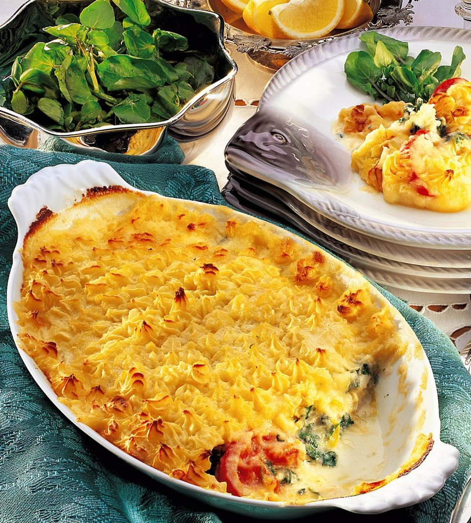Stock Photo: 1848-711840 Cod casserole covered with layer of potato, Great Britain, recipe available for a fee