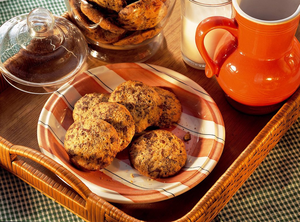 Stock Photo: 1848-714798 Chocolate cookies, USA, recipe available for a fee