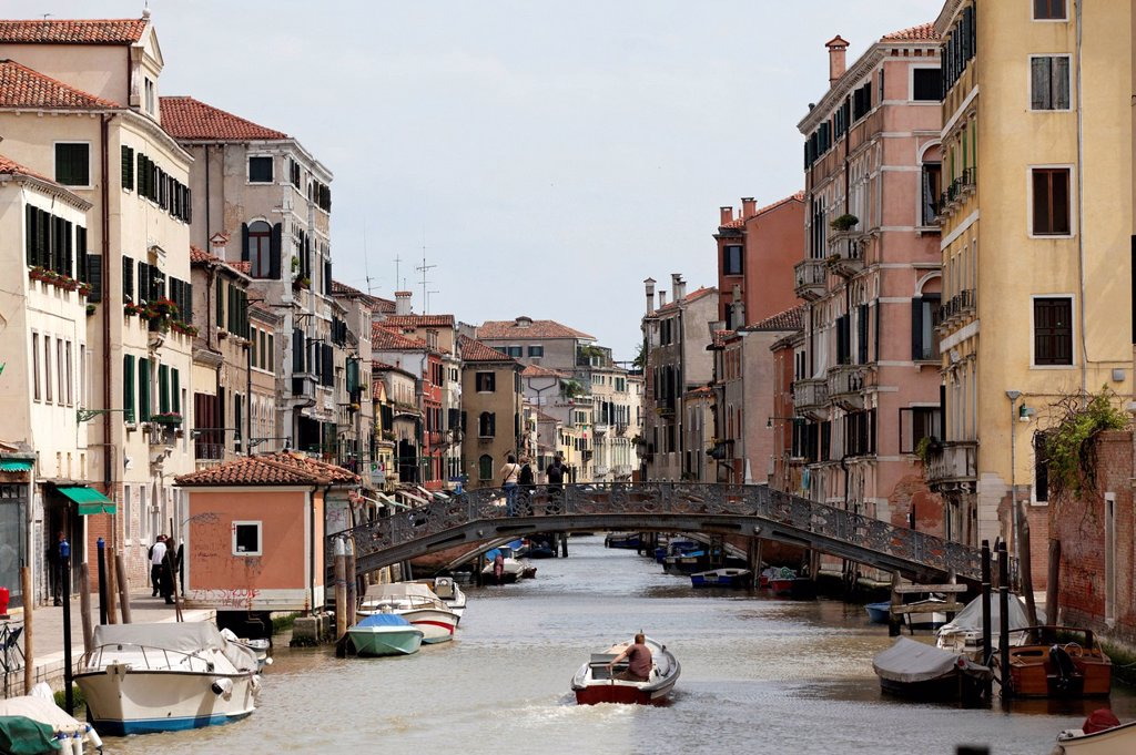 Stock Photo: 1848-715008 Ghetto Nuevo bridge, Cannaregio district, Venice, UNESCO World Heritage Site, Venetia, Italy, Europe