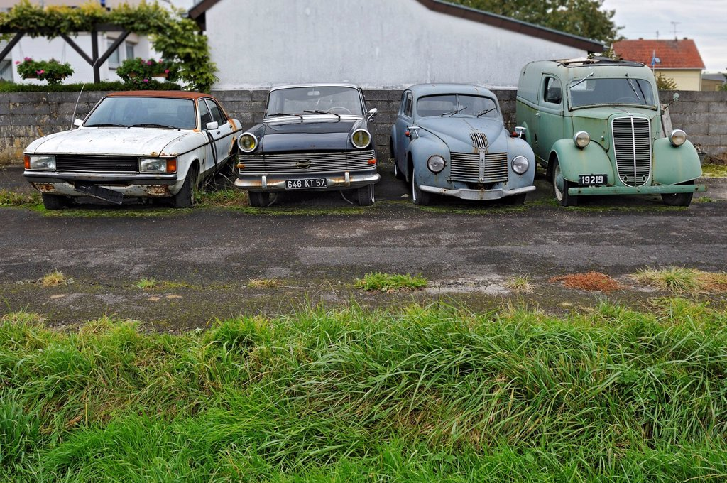 Stock Photo: 1848-715299 Vintage cars, ´´Youngtimer´´ collection in Wochern, Saarland, Germany, Europe