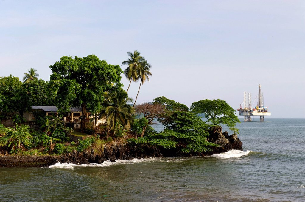 Coast in front of an oil rig, Limbe, Cameroon, Africa : Stock Photo