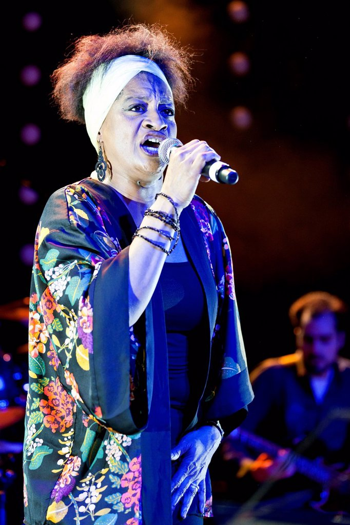 Freda Goodlett of the Swiss_American band Funky Brotherhood feat. Noel McCalla, live at the Winterfestival in Wolhusen, Lucerne, Switzerland, Europe : Stock Photo