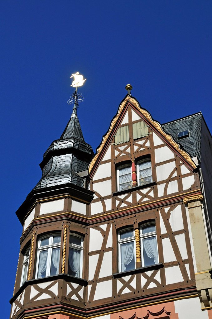 Stock Photo: 1848-721039 Half_timbered house with a weather vane on the marketplace of Bernkastel_Kues, Rhineland_Palatinate, Germany, Europe, PublicGround