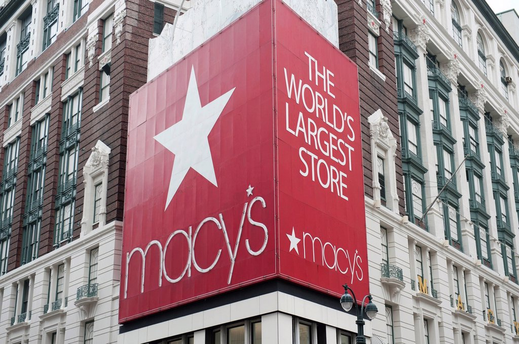 Advertising hoarding at a street corner, Macy´s, traditional department store, Herald Square, intersection of Broadway and 6th Avenue, New York City, USA, North America, America : Stock Photo