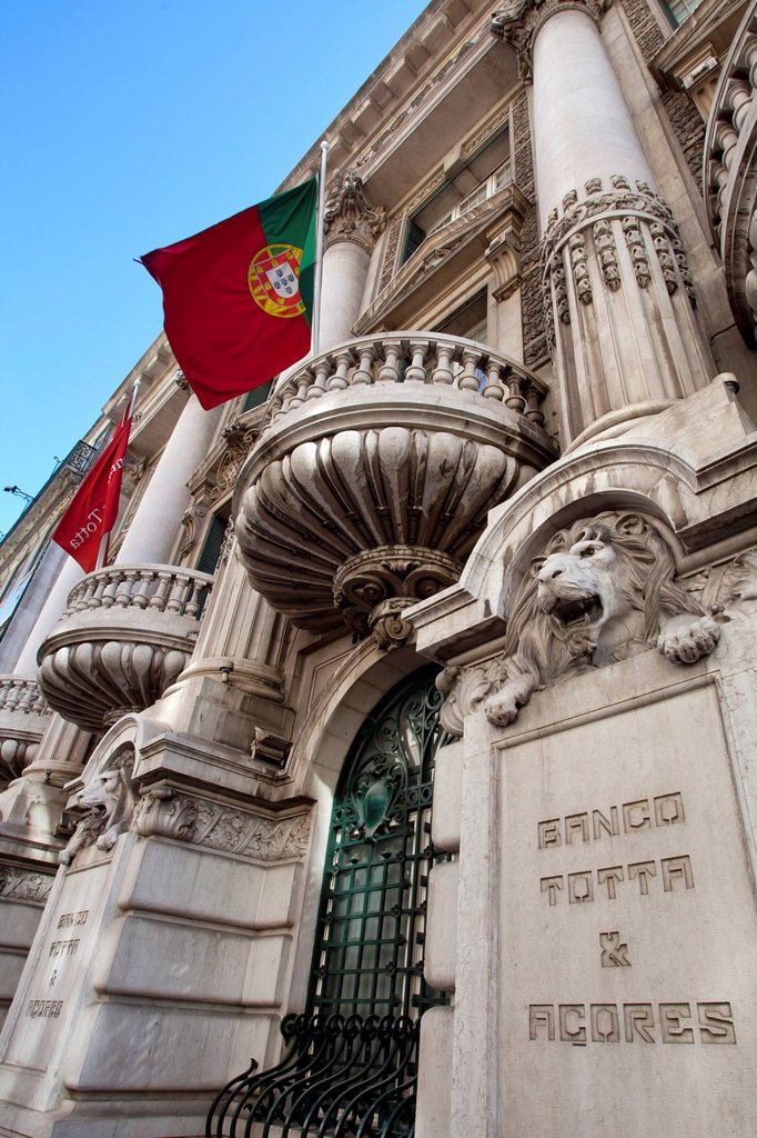 Stock Photo: 1848-722304 Headquarters of the Portuguese bank Banco Totta Acores, BTA, in Lisbon, Portugal, Europe