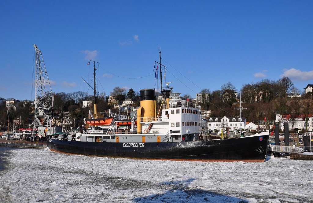 Stock Photo: 1848-723326 Ship in the port of Hamburg in the winter, Hamburg, Germany, Europe