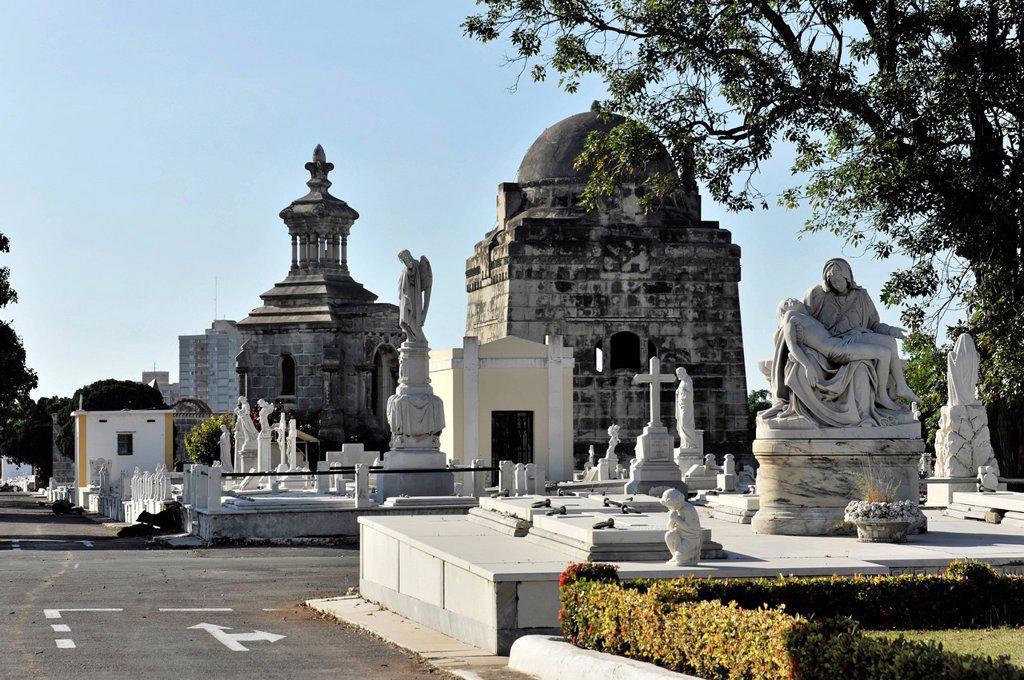Graves, tombes, Cementerio de Cristóbal Colón, Christopher Columbus Cemetery, 56_ha cemetery, Havana, Cuba, Greater Antilles, Caribbean, Central America, America : Stock Photo