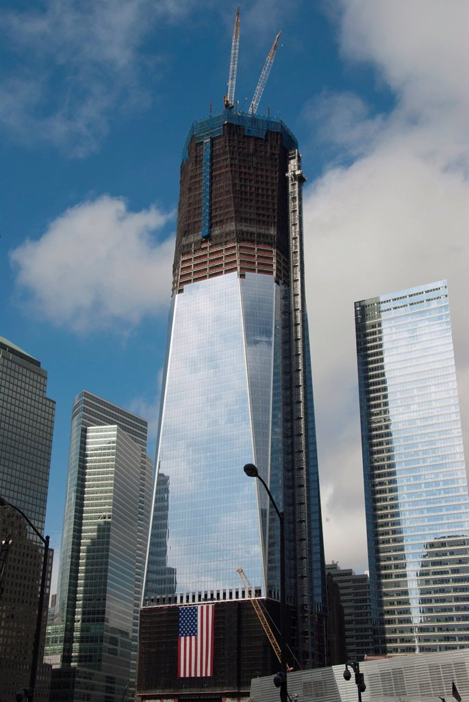 High_rise construction site, construction of the skyscraper, One World Trade Center, Freedom Tower, American flag, 9_11 Memorial, Ground Zero, New York City, USA, North America, America : Stock Photo