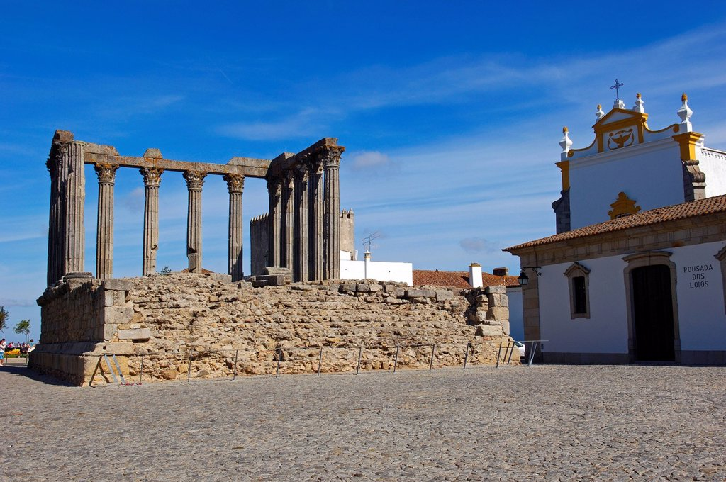 Ruins of Roman temple of Diana, Evora, UNESCO World Heritage Site, Alentejo, Portugal, Europe : Stock Photo