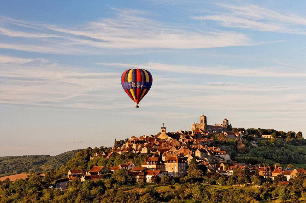Stock Photo: 1848-726416 View of the Basilica of Sainte Marie_Madeleine, advertising for a music festival on a hot air balloon, Vezelay, Burgundy region, department of Yonne, France, Europe