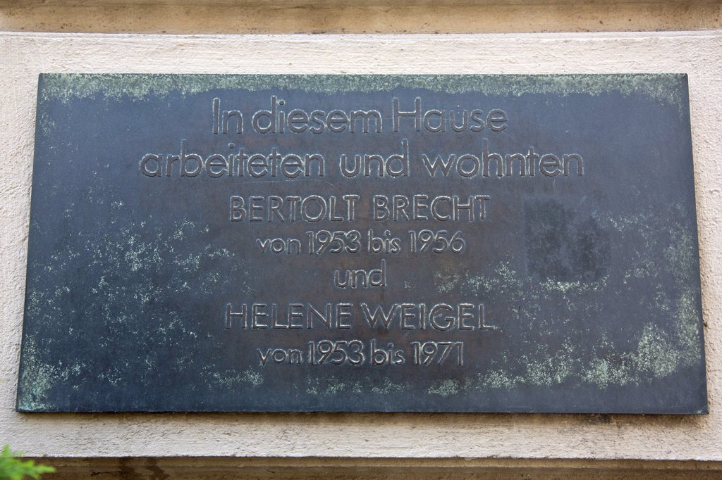 Stock Photo: 1848-727492 Commemorative plaque for Bertolt Brecht and Helene Weigel, Berlin, Germany, Europe