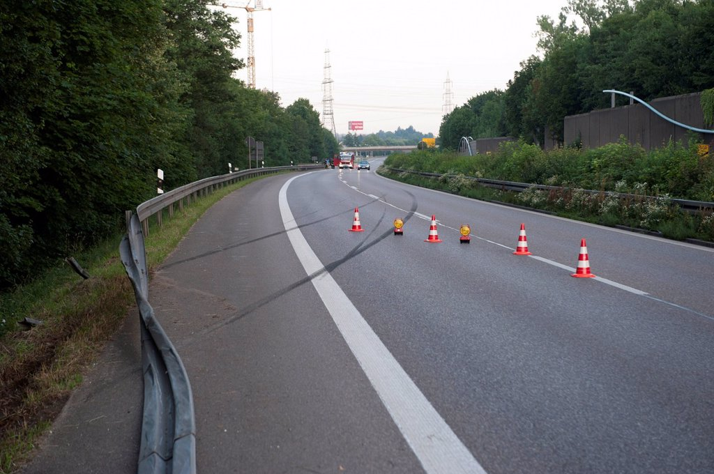 Stock Photo: 1848-727918 Skid marks and destroyed guard rail, fatal traffic accident on the B29, Honda driver broke through a guard rail, Grossheppach, Baden_Wuerttemberg, Germany, Europeope