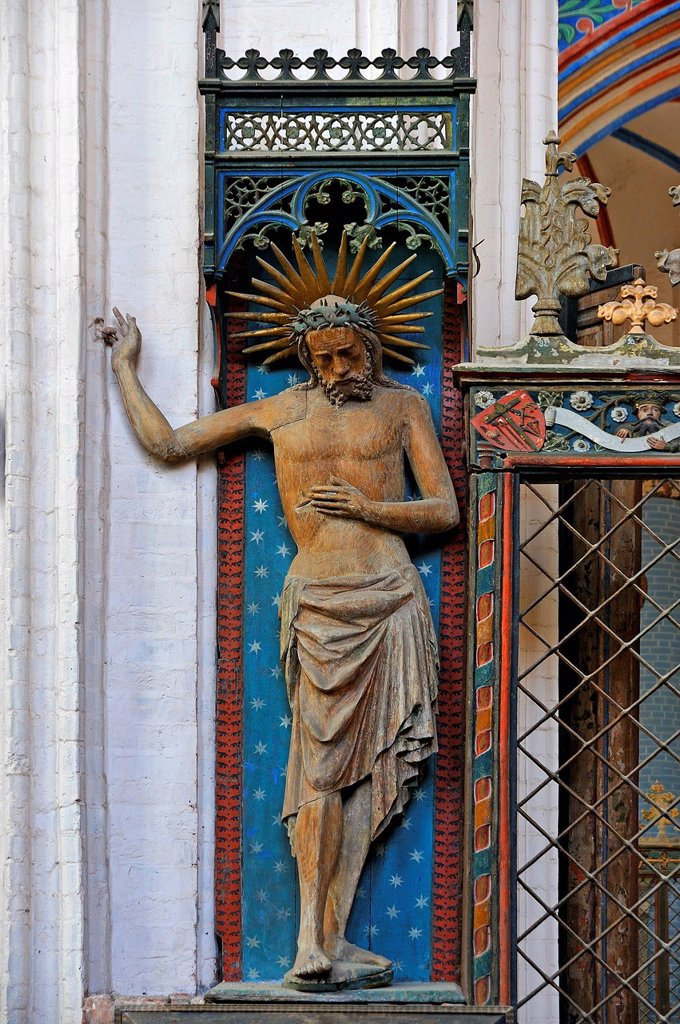 Stock Photo: 1848-728979 Holy Body, statue of the Risen Christ, in the ambulatory, late 14th Century, church of Sankt Nikolai, St. Nicholas Church, Stralsund, Mecklenburg_Western Pomerania, Germany, Europe