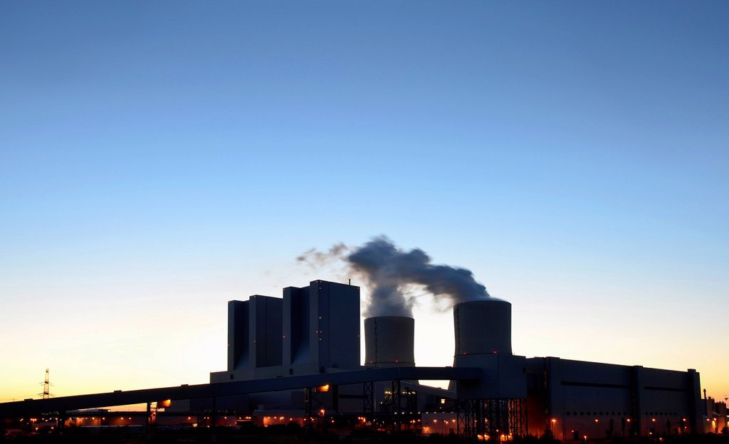 Stock Photo: 1848-730097 Lignite_fired Lippendorf Power Station at dusk, Saxony, Germany, Europe