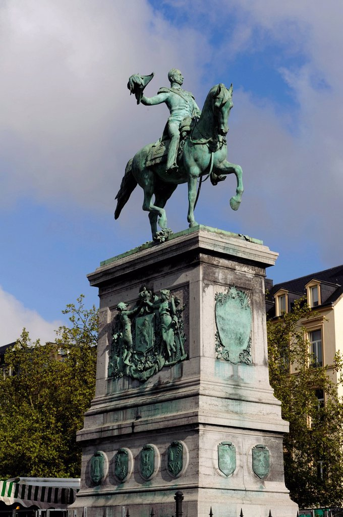 Equestrian statue to former Grand Duke William II, Place Guillaume II square, Luxembourg City, Luxembourg, Europe : Stock Photo