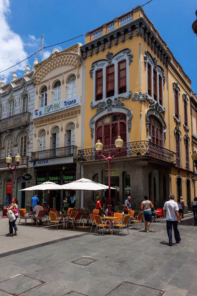 Stock Photo: 1848-730530 Cafe, old buildings, shopping street, Calle Tirana, historic town centre of Las Palmas, Gran Canaria, Canary Islands, Spain, Europe