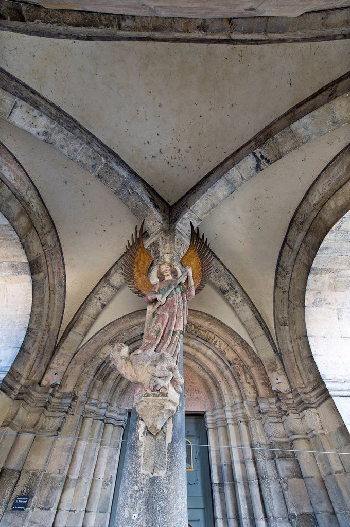 Stock Photo: 1848-731338 Archangel Michael, the guardian of justice, stone sculpture, 13th century, entrance, Church of St. Michael, a Protestant parish church, Schwaebisch Hall, Baden_Wuerttemberg, Germany, Europe