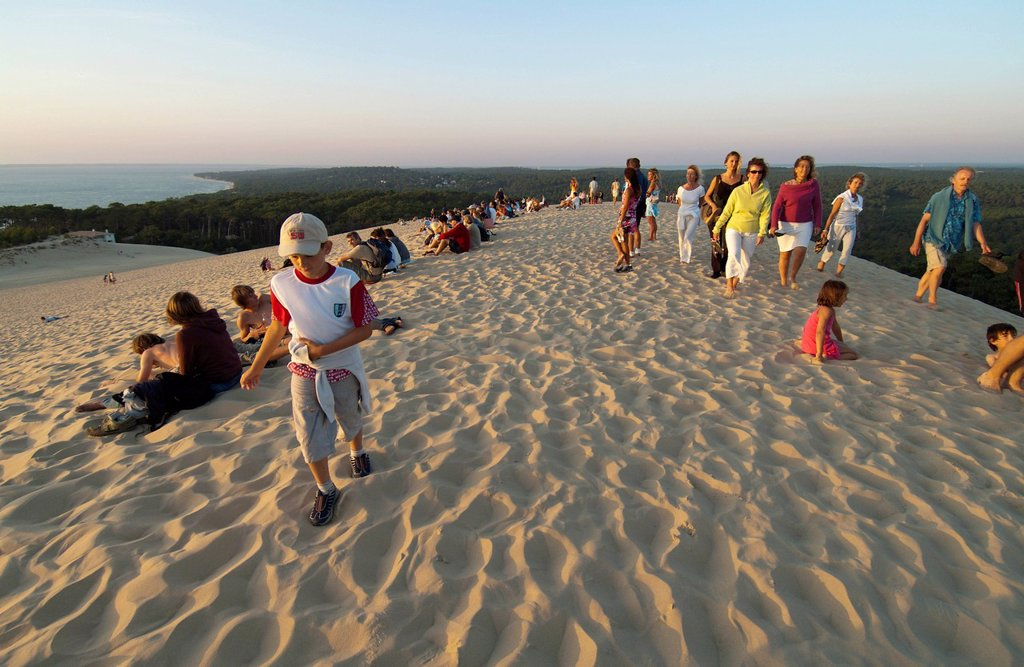 Stock Photo: 1848-732190 Tourists on the Dune du Pyla at sunset, Arcachon, Département Gironde, Aquitaine, France, Europe