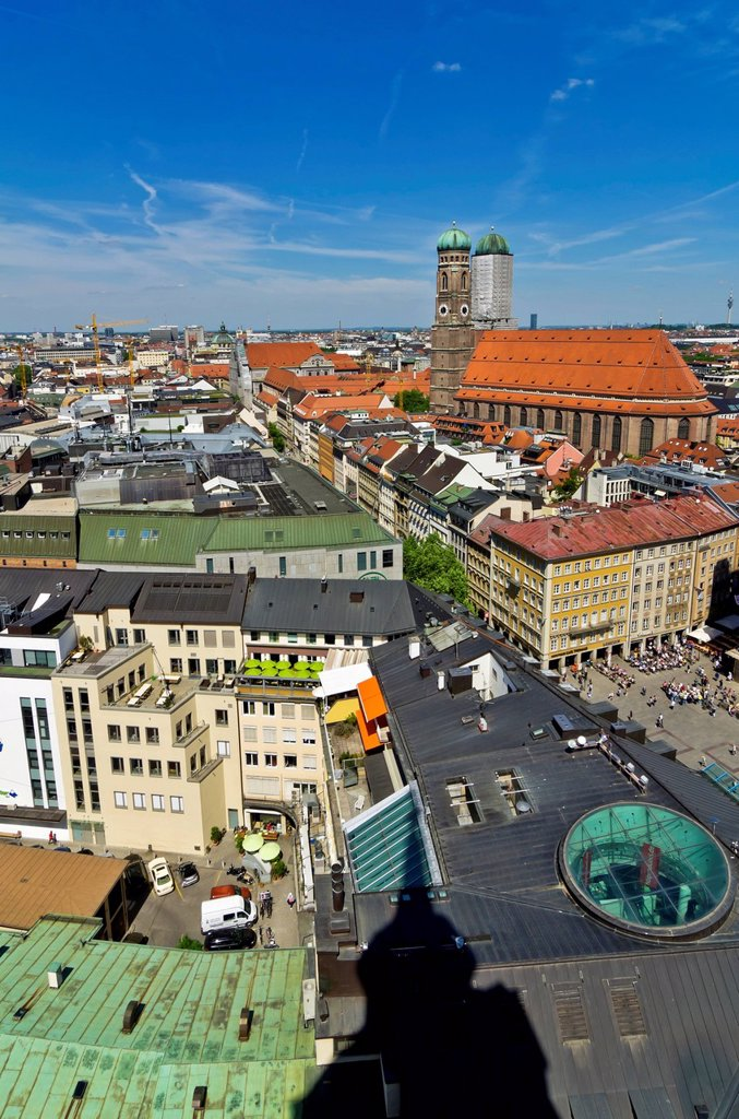 View from St. Peter´s Church, Alter Peter, over the roofs of Munich with Frauenkirche, Church of Our Lady, right, Munich, Upper Bavaria, Bavaria, Germany, Europe : Stock Photo