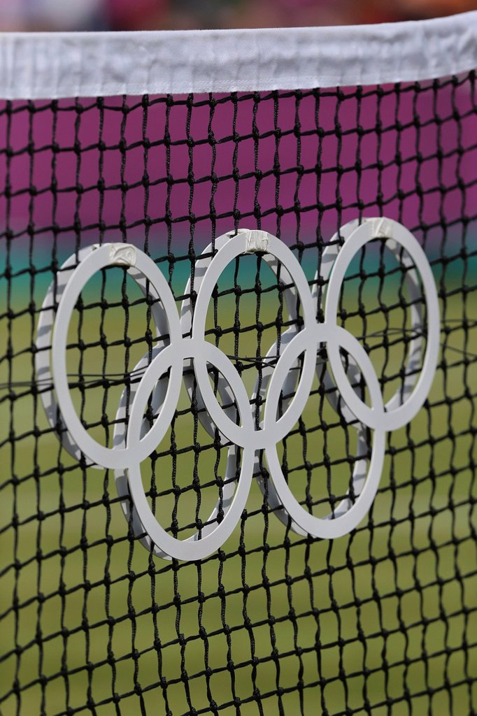 Stock Photo: 1848-742192 The Olympic rings on a net, tennis court, AELTC, London 2012, Olympic Tennis Tournament, Olympics, Wimbledon, London, England, Great Britain, Europe