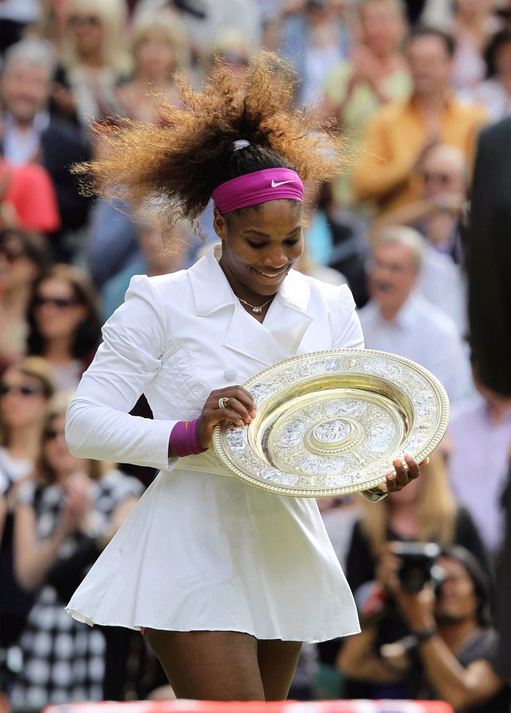 Winners ceremony, champion Serena Williams, USA, holding the winner´s silver salver, women´s final, Wimbledon Championships 2012 AELTC, ITF Grand Slam Tennis Tournament, London, England, United Kingdom, Europe : Stock Photo
