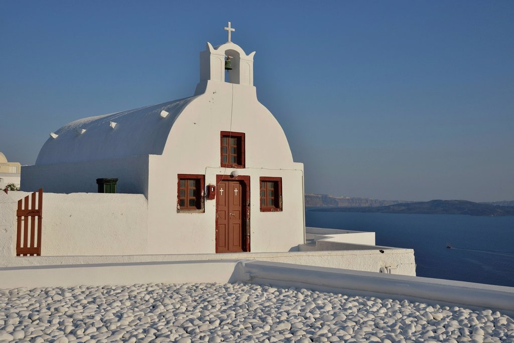 Stock Photo: 1848-745534 Chapel in Oia, Santorini, Cyclades, Greek island, Greece, Europe