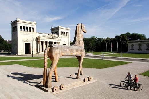 Stock Photo: 1848-74650 Best Agers, bicyclists, bike tour, horse sculpture, Koenigsplatz Square, Munich, Bavaria, Germany, Europe