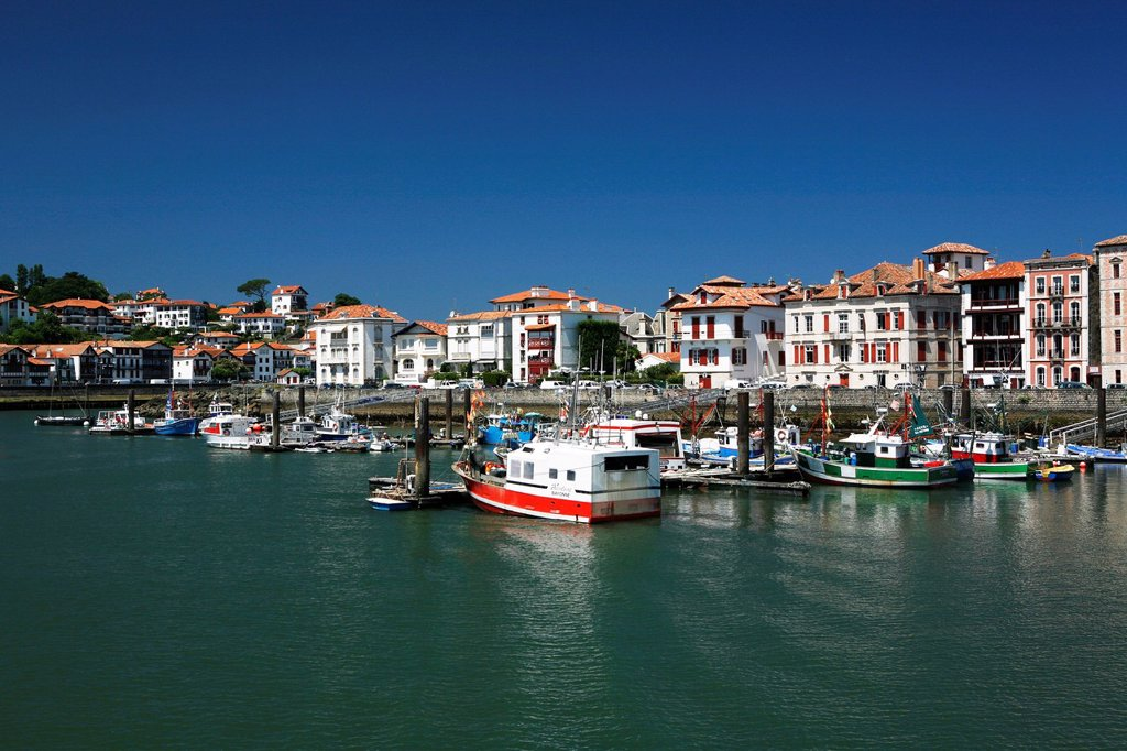 Fishing boats, fishing port of Saint_Jean_de_Luz, in Basque: Donibane Lohizune, Pyrenees, Aquitaine region, Pyrénées_Atlantiques department, France, Europe : Stock Photo