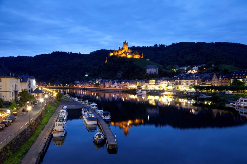 Stock Photo: 1848-750527 View of Cochem and the Reichsburg castle at night, Cochem, Moselle river, Rhineland_Palatinate, Germany, Europe, PublicGround