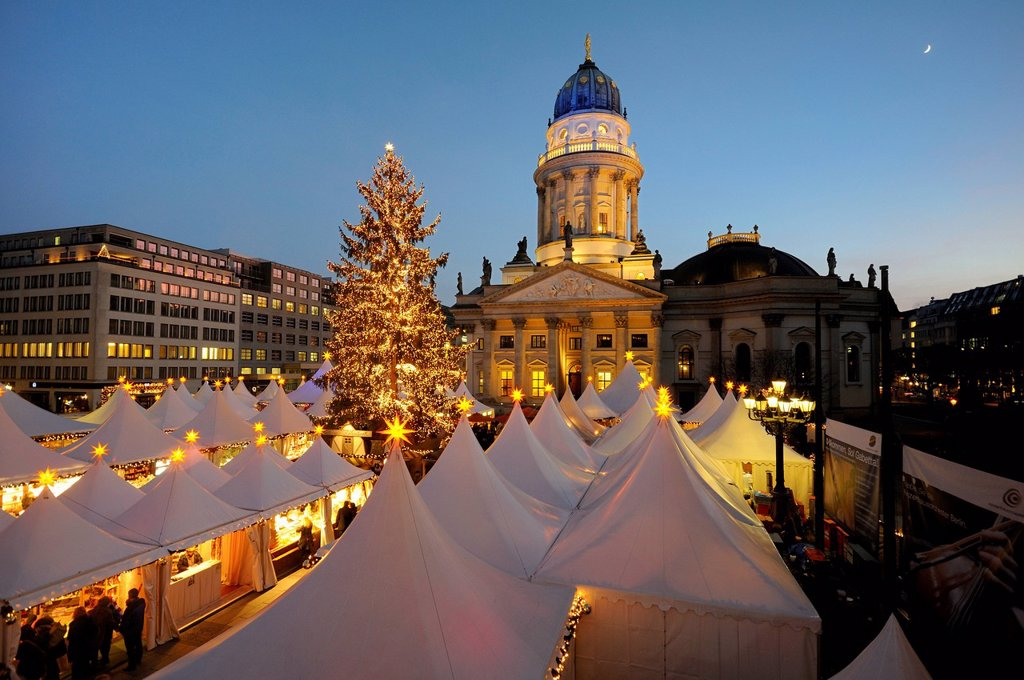Stock Photo: 1848-750723 Winter Magic Christmas market at Gendarmenmarkt square, German Cathedral, Berlin_Mitte, Berlin, Germany, Europe