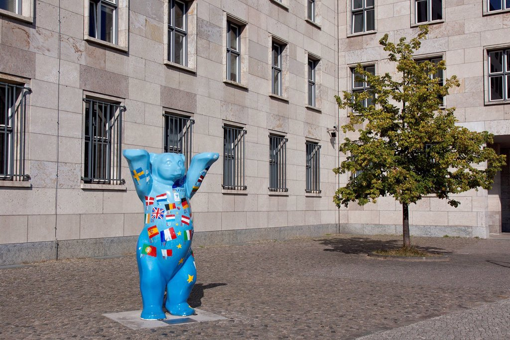 The Berlin Bear in front of the German Federal Ministry of Finance, Berlin, Germany, Europe : Stock Photo