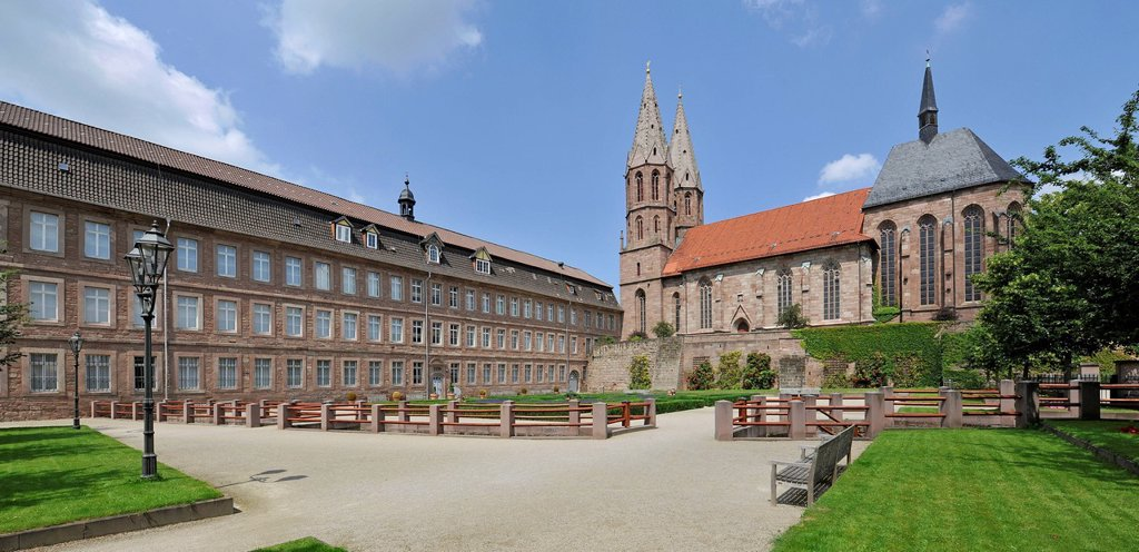 Local museum on the left, St._Marien_Kirche church and St. Annen_Kapelle chapel on the rigth, Heiligenstadt, Eichsfeld, Thuringia, Germany, Europe : Stock Photo