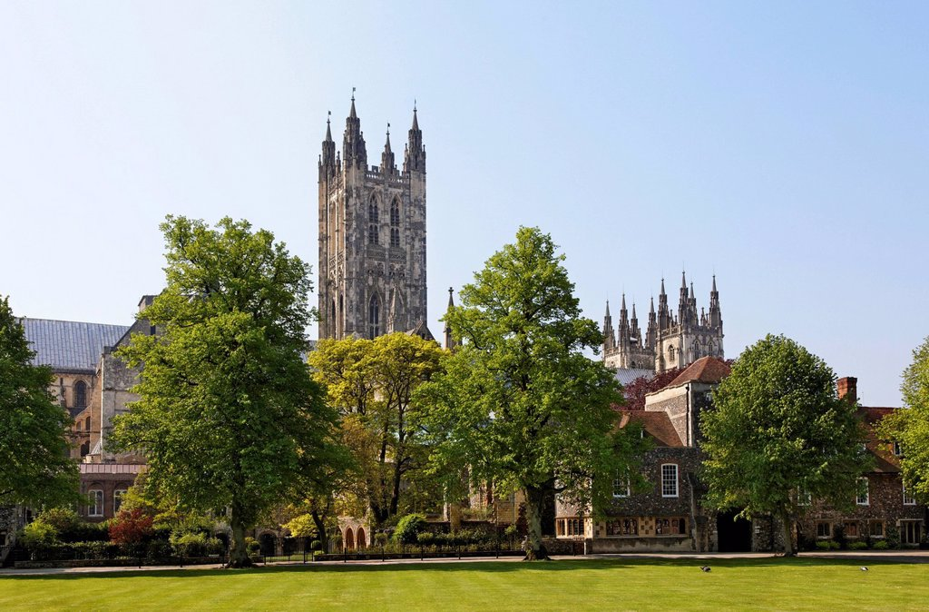 Stock Photo: 1848-755228 Canterbury Cathedral, Cathedral Green Park, South East England, administrative county of Kent, England, United Kingdom, Europe