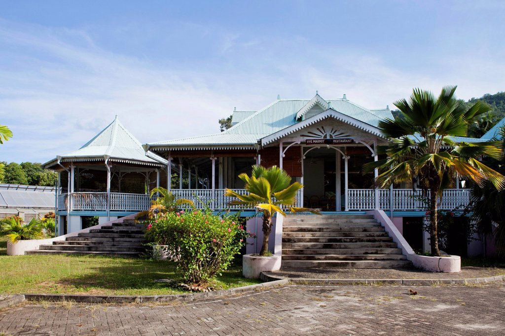 Restaurant Vye Marmithe, colonial house built in 1870, Villa Artizanal, Mahe Island, Seychelles, Africa, Indian Ocean : Stock Photo