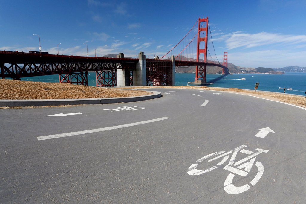 Stock Photo: 1848-756795 Bike path in front of the Golden Gate Bridge, San Francisco, California, USA