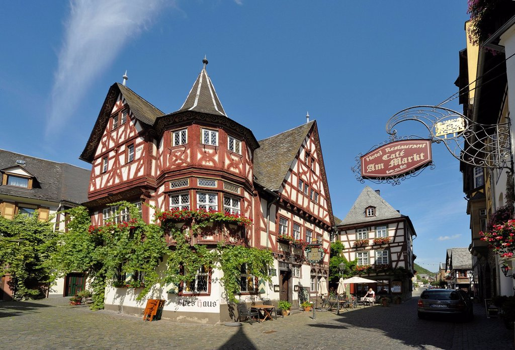 Weinhaus Altes Haus tavern, Am Markt, Bacharach, UNESCO World Heritage Site, Rhineland_Palatinate, Germany, Europe : Stock Photo