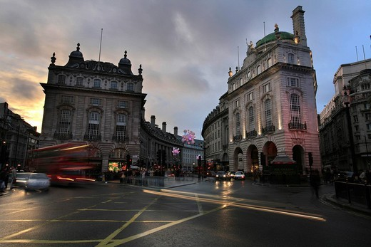 Oxford Circus at dusk on a rainy winter´s days, London, UK : Stock Photo