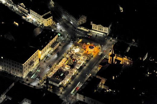 Aerial photo, night shot, Christmas market, Neumarkt with Auferstehungskirche Church by Karl Friedrich Schinkel, Arnsberg, South Westphalia, Hochsauerlandkreis, North Rhine_Westphalia, Germany, Europe : Stock Photo