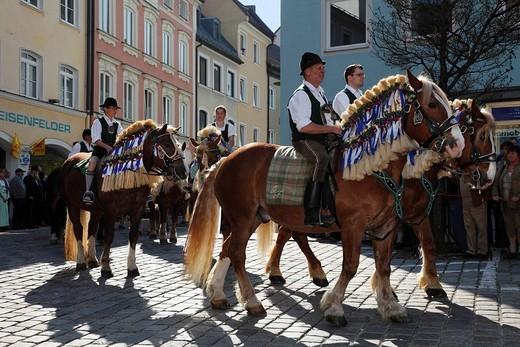 Stock Photo: 1848-77004 Georgiritt, George´s Ride, Easter Monday procession, Old Town, Traunstein, Chiemgau, Upper Bavaria, Bavaria, Germany, Europe