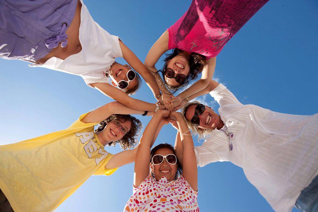 Stock Photo: 1848-77231 Happy family at the beach