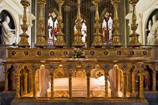 Tomb of S. Catherine of Siena, Santa Maria sopra Minerva Church Gothic church, Rome, Italy, Europe : Stock Photo