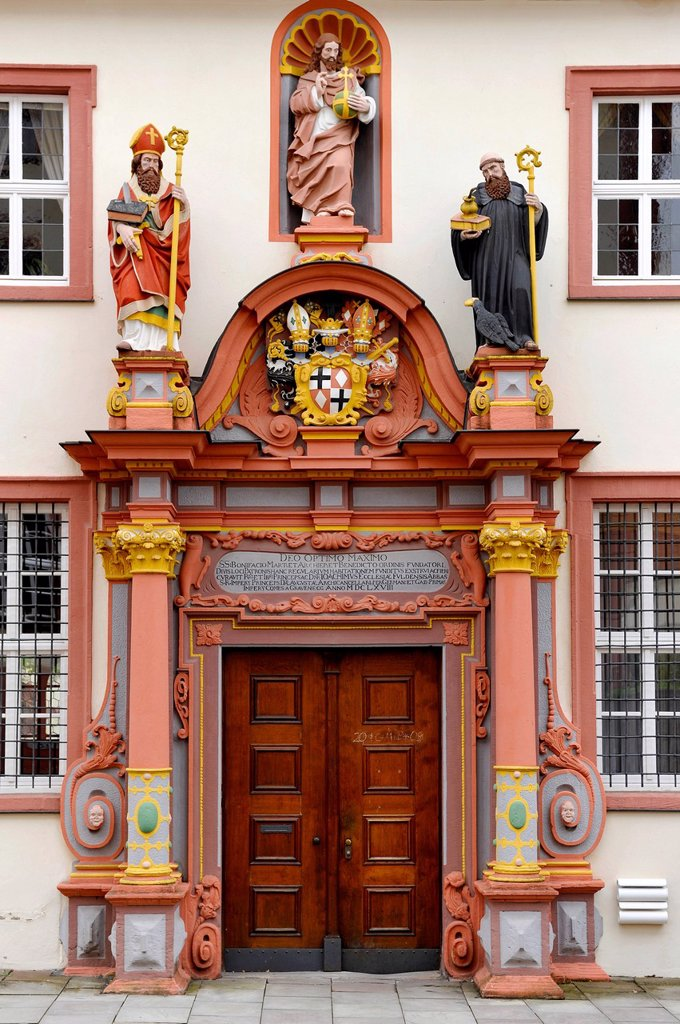 Renaissance portal with the figures of St. Boniface, Jesus Christ and the Holy. Benedict of Nursia, convent building of the former Benedictine convent at Fulda Cathedral, Cathedral of St. Salvator : Stock Photo
