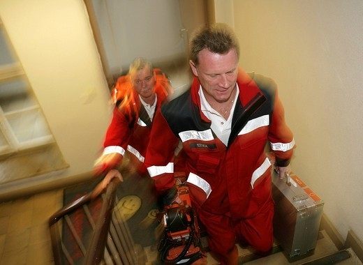 Stock Photo: 1848-79608 DEU Germany : Rescue paramedics ambulance fire service. Training situation. ,
