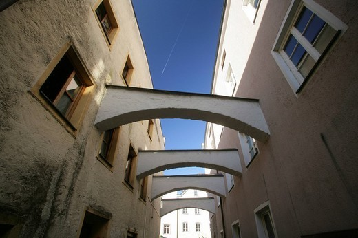 Building supports over an alleyway in Muehldorf am Inn, Upper Bavaria, Bavaria, Germany, Europe : Stock Photo