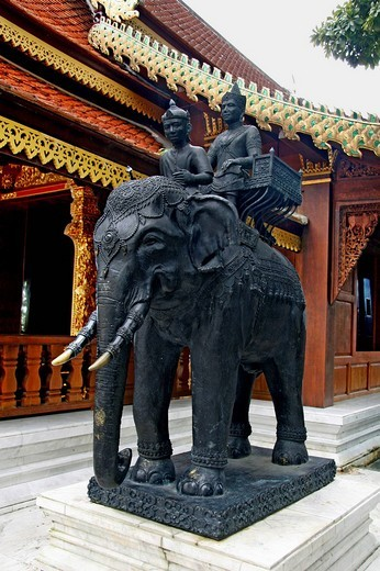 Elephant statue, Wat Doi Suthep, temple complex on the Holy Hill, Chiang Mai, Thailand, Asia : Stock Photo