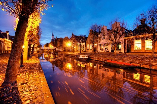 Stock Photo: 1848-8260 Canals in the village of Sloten, Friesland, The Netherlands, Europe