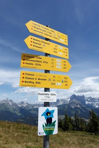 Sign post on Mt. Rossbrand, in the back Mt. Dachstein, Pongau, Land Salzburg, Salzburg, Austria, Europe : Stock Photo